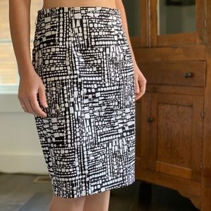 Worthington Black and White Pencil Skirt, Size 10